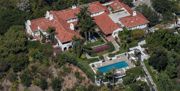 A Beverly Hills troviamo la casa di Jeff Bezos che secondo molte persone è la più bella di tutte