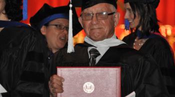 Conosci già la storia del laureato più anziano del mondo?